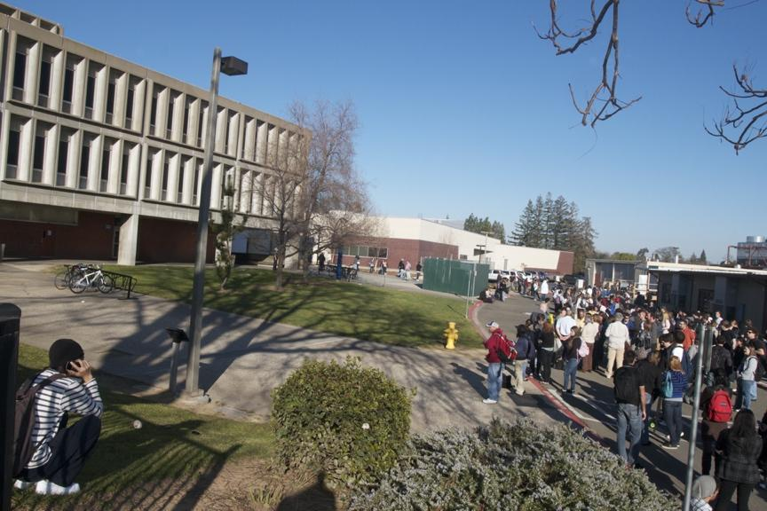 Students evacuate Davies Hall after a bomb threat was called in on Feb. 10, 2011. Photo by Andrew Vasquez