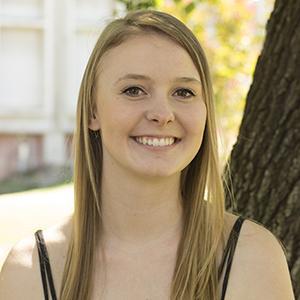 Emily Thompson : Co-Scene editor