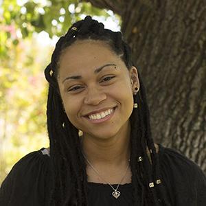 Lena DoBynes : News editor