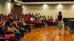 Professor Catherine Fagiolo gives a lecture to American River College students during a voice clinic. The voice clinic was a workshop that featured an expert singer teaching students how to perform in front of an audience. (Photo by Joe Padilla)