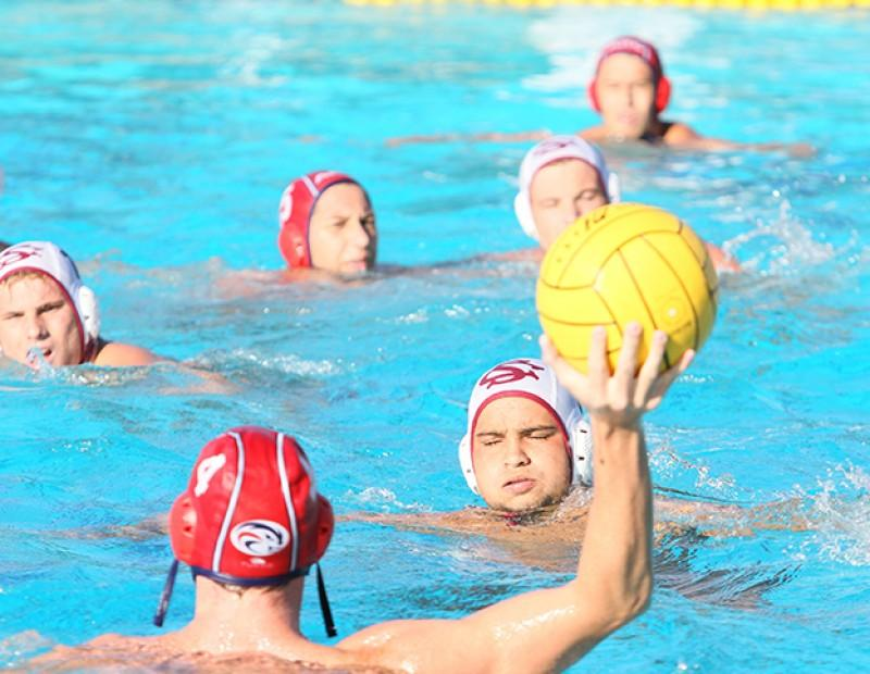 Austin Welter, attacker for American River College looks to pass the ball to his teammates against Sierra on October 21, 2015. (Photo by Nicholas Corey)