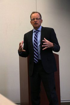 Special Agent of 25 years, Steve Dupre, tells American River College students about a FBI internship program in community rooms three and four on Wednesday from 12 to 1 p.m.  (Photo by James Saling)