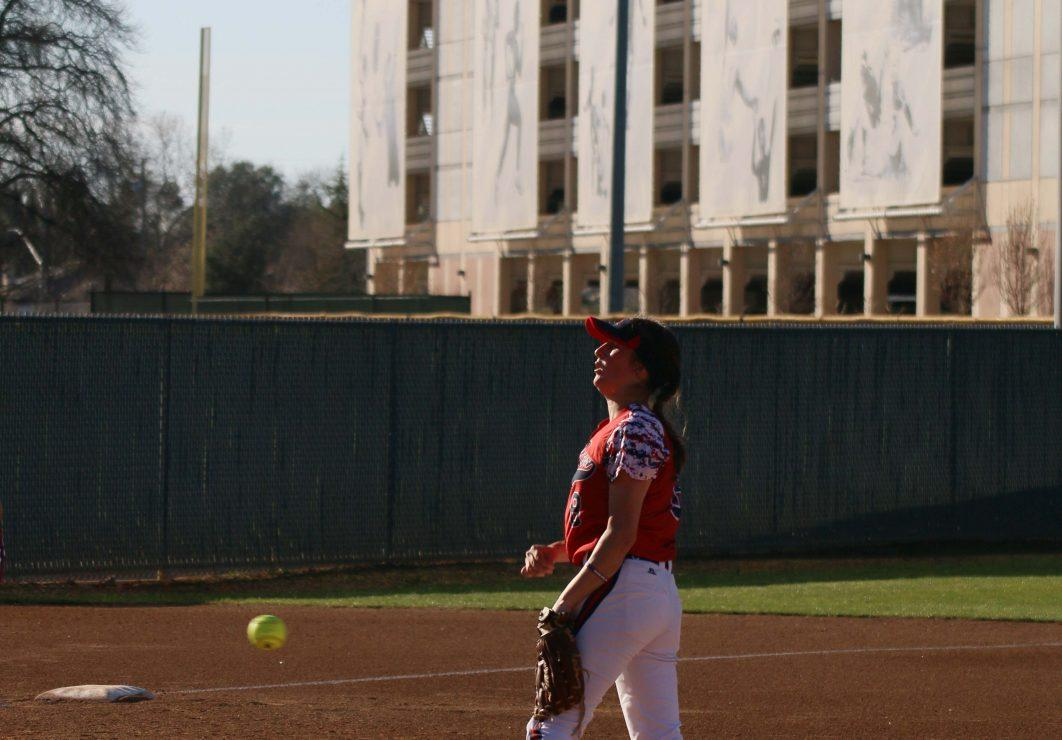 Santa Rosa player Cailyn Callison throws the ball. (Photo Gallery by Lidiya Grib)