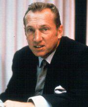 Oakland Raiders owner dies at 82