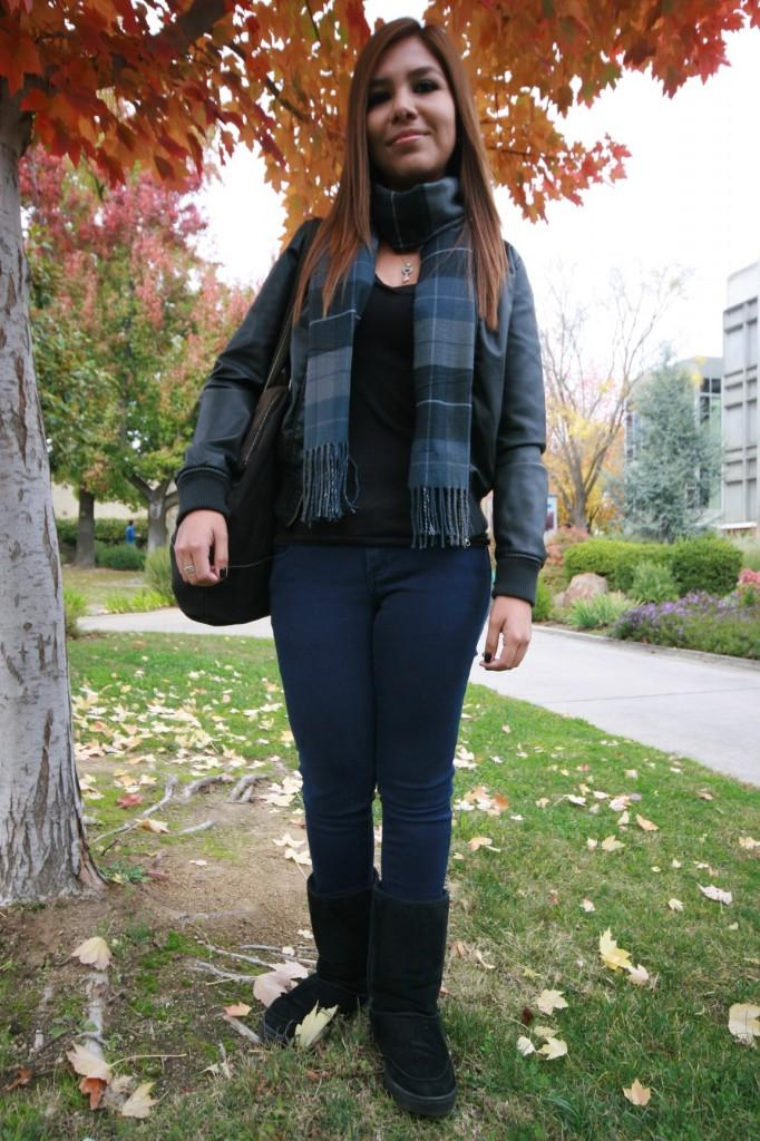 Nursing+major+Stephanie+Sanchez%2C+19%2C+wears+a+pair+of+Bearpaw+boots+and+a+Docker%27s+scarf+on+Nov.+23%2C+2011.+%28Photo+by+Shanel+Royal%29