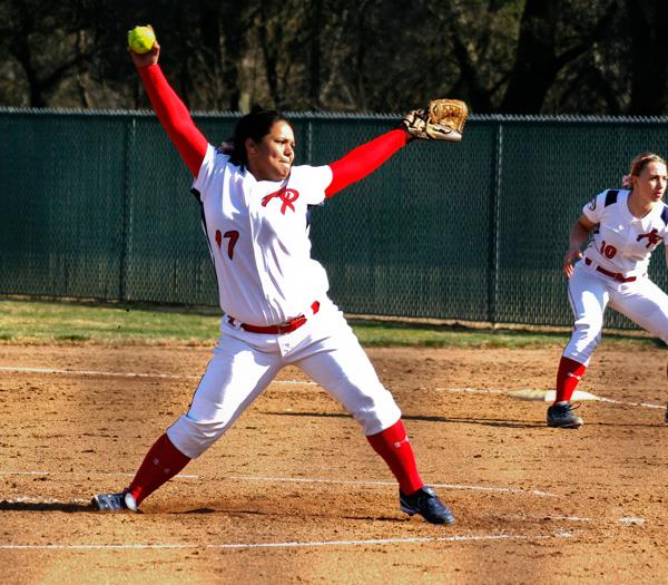 Softball pitcher Jessica Henney is on the mound for the Beavers on Feb. 3. (Photo by Stephanie Lee)