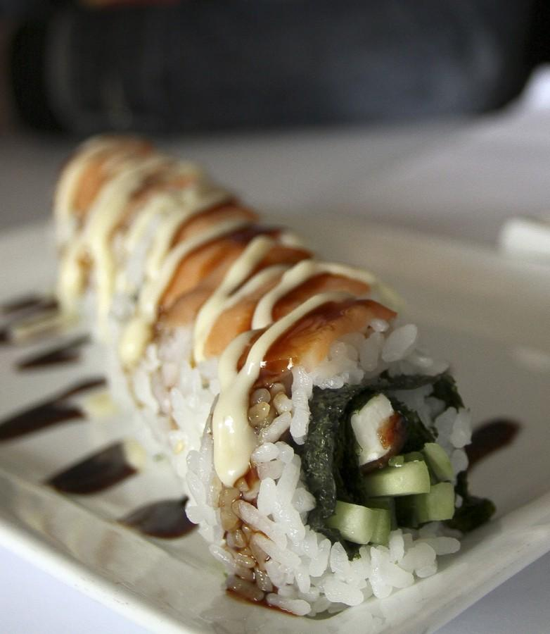 A+Philly+Roll+that+is+served+at+Azukar+Sushi+in+Natomas.+The+roll+comes+with+eel%2C+cream+cheese%2C+cucumber%2C+smoked+salmon%2C+tabiko+and+a+miso+sauce.+%28Photo+by+Daniel+Romandia%29