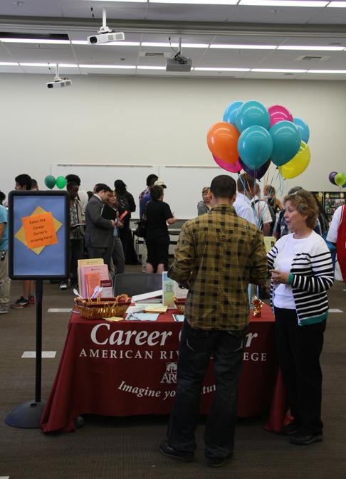 Career+fair+brings+job+opportunities+to+campus