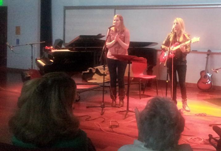 Morgan Wright and Malia Artsitas perform Sandy Toes at the acoustic cafe Nov. 22. Photo by Jonathan H. Ellyson