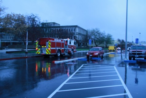 Sacramento Fire Department arrives at American River College near Davies Hall after the fire alarm went off at approximately 3:15 p.m. on Friday. (Photo by Emily K. Rabasto)