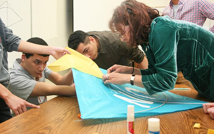 Model UN enlists help of Afghan professor to build traditional kite