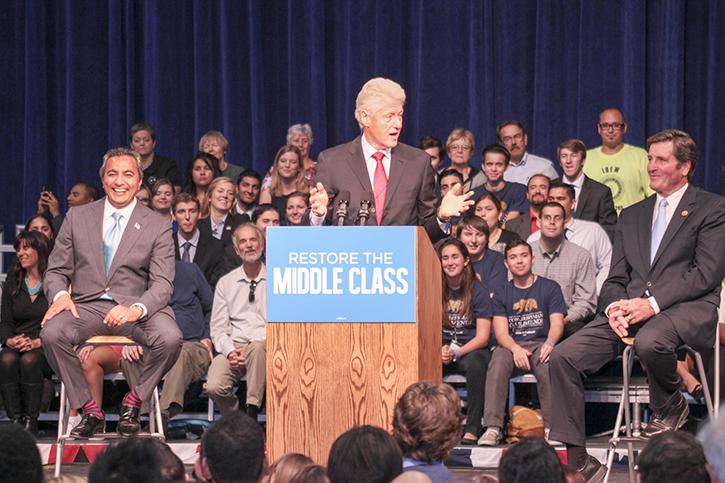 Local+candidates+discuss+community+college+issues+at+Clinton+rally