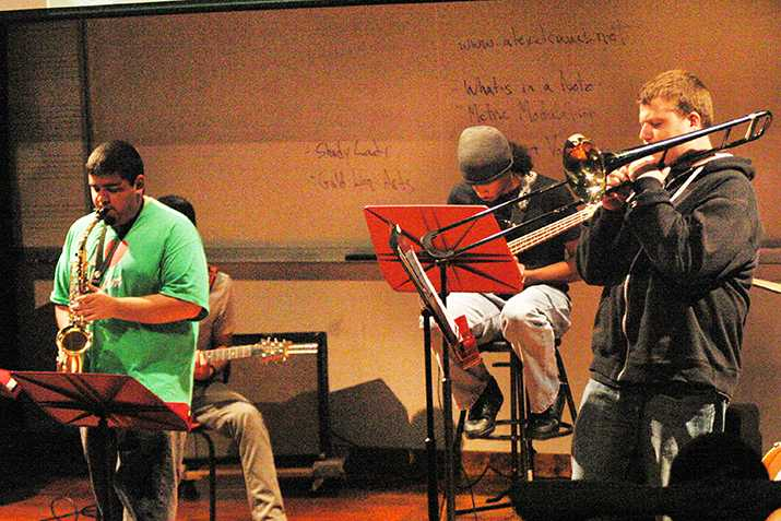 ARC+gets+jazzed+up+for+music+critique+from+pro+musician
