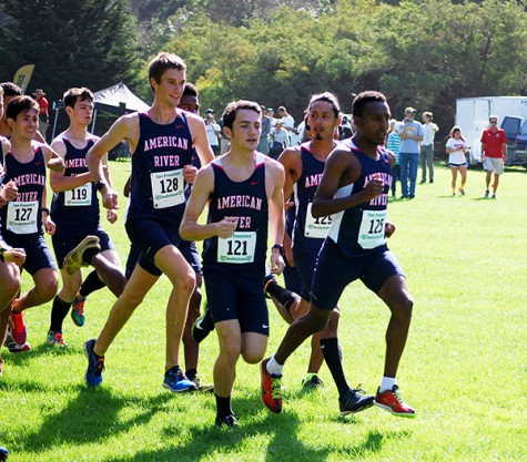 American River College Cross-Country runners stay in a pack at the University of San Francisco Cross-Country Invitational on Sept. 05, 2015. American River College finished the meet in first place in the Men