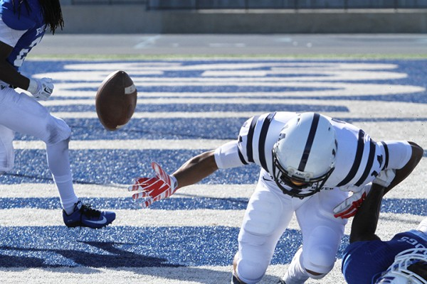 American River College wide receiver Daliceo Calloway drops a pass in the endzone during ARC football's 42-10 loss to College of San Mateo on Saturday, Oct. 3, 2015. The game was ARC's greatest loss of the season, dropping them to 3-2. (Photo by Barbara Harvey)