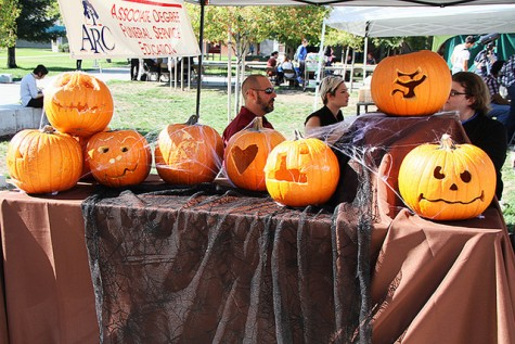 Campus activities promoted at Halloween-themed Club Day
