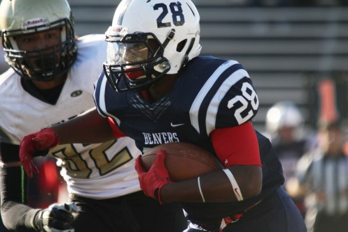 American River College running back Armand Shyne, who ran for 734 yards and 8 touchdowns this season, was given All-Conference honors representing the NorCal League for the 2015 season, as well as ten of his teammates. (Photo by Barbara Harvey)