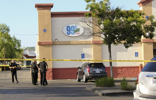 A stabbing occurred outside the 99 Cents Store on Auburn Boulevard Wednesday, leaving one victim with non life-threatening injuries. The altercation that led to the stabbing was over a bike, according to Sacramento County Sheriff's Department public information officer Tony Turnbull. (Photo by Itzin Alpizar)