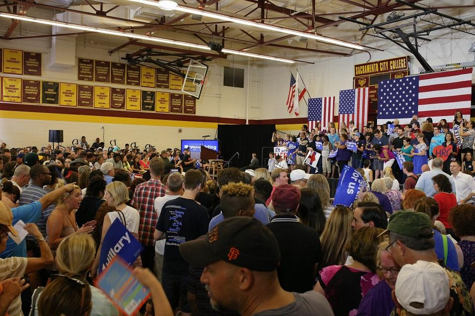 Attendees+pack+the+North+Gym+at+Sacramento+City+College+to+hear+Hillary+Clinton+speak+at+her+rally+in+Sacramento+on+Sunday.%0A%28Photo+by+Kyle+Elsasser%29