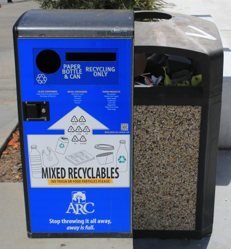 A  recycle station  and a trashcan both near the Student Center on Oct. 13. A recent audit by sustainability at ARC found the campus could not meet the goal of 75 percent diversion by the year 2020. (Photo by Robert Hansen)
