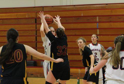 Women's basketball team qualifies for playoffs