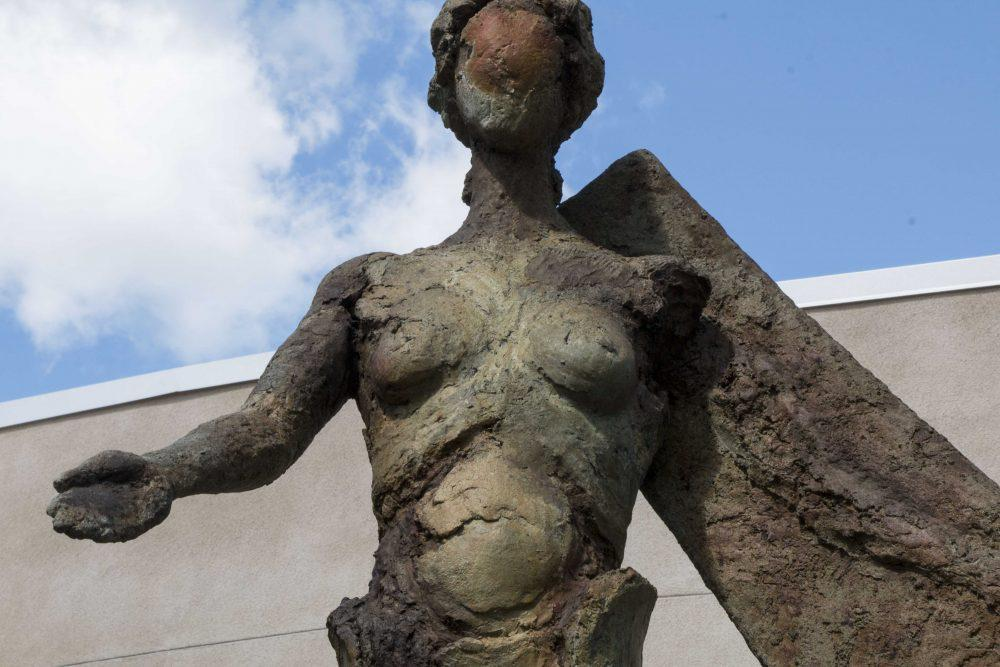 Angel+sculptures+designed+by+local+artist+Garr+Ugalde%2C+located+at+American+River+College.+%28Photo+by+Lidiya+Grib%29