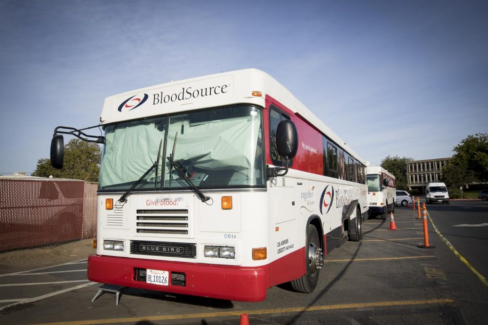 The Bloodmobile parks in Lot A at American River College in Sacramento, California on Sept. 19, 2017. (Photo by Luis Gael Jimenez)