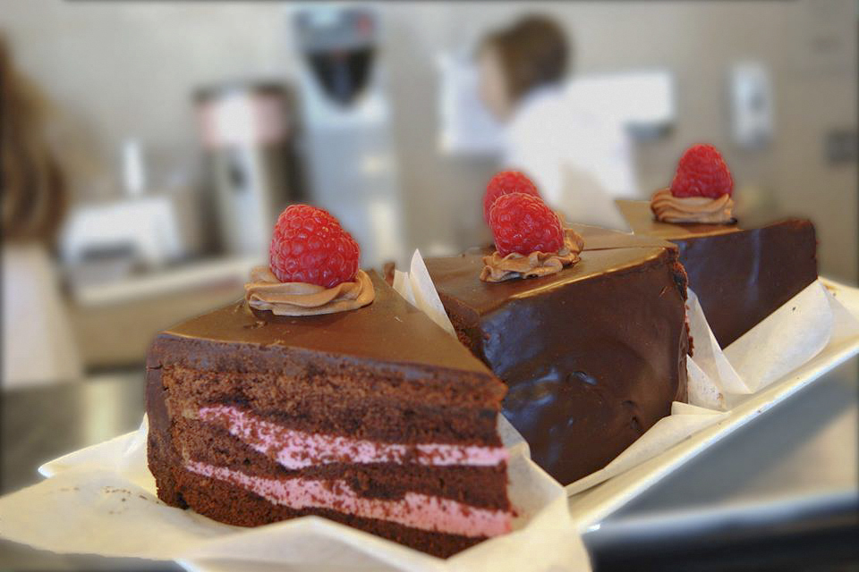 Cake slices sit on display at the Oak Cafe Bakery at American River College. (Photo courtsey of Don Reid)