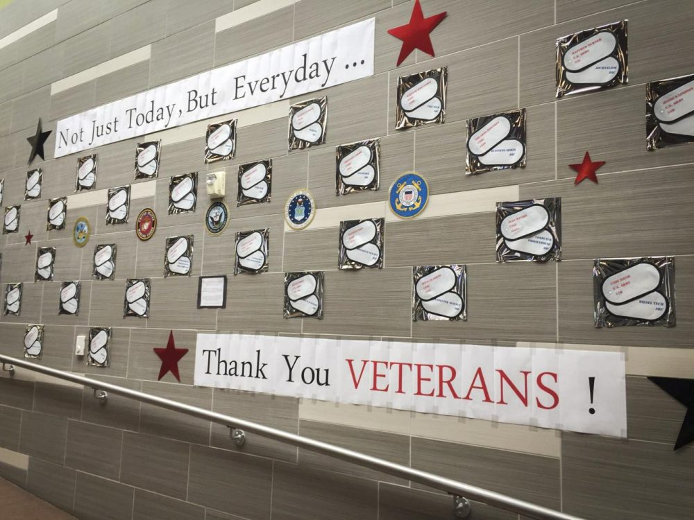 A+%22Thank+You+Veterans%22+banner+hangs+on+display+near+the+student+center+at+American+River+College+on+Nov.+8.+%28Photo+by+Lily+Rodriguez+Drake%29