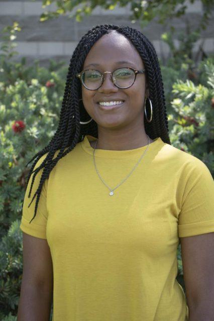 Alexis Warren : Social Media Editor