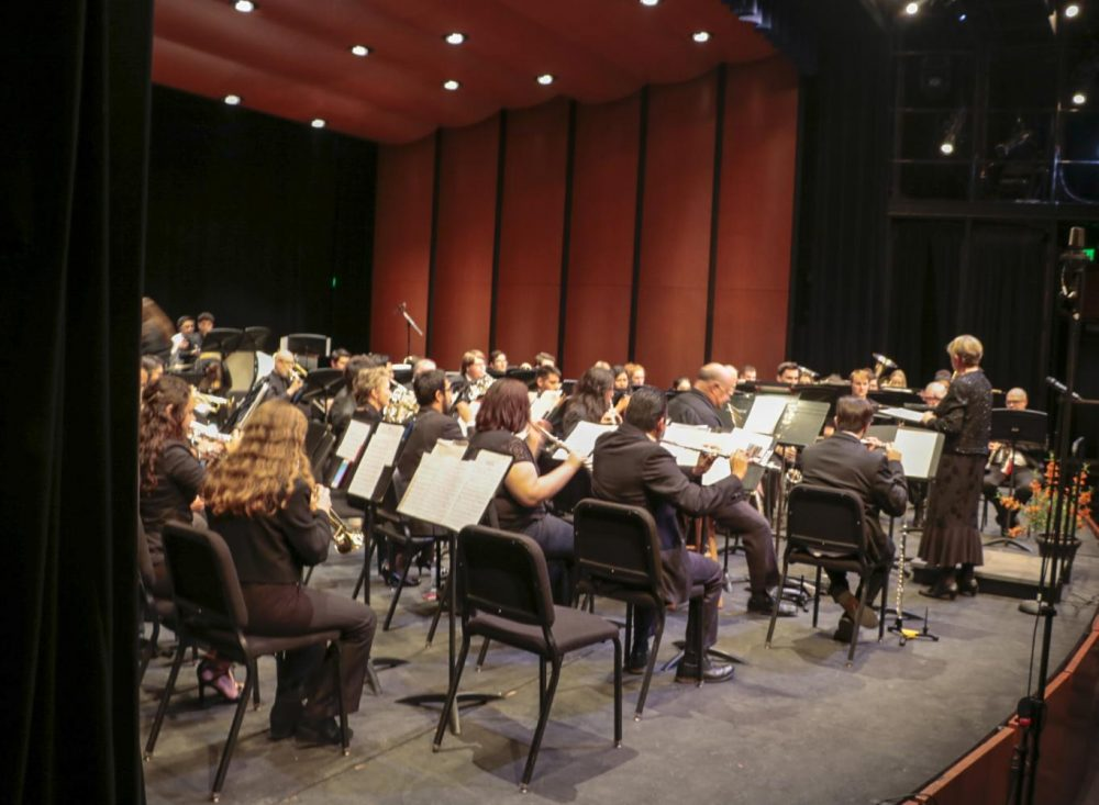 The+Symphonic+and+Concert+Bands+performs+at+the++%E2%80%9CRip-roarding+Band+Classics%E2%80%9D+at+American+River+College+on+Nov.+8%2C+2018.+%28Photo+by+Hameed+Zargry%29