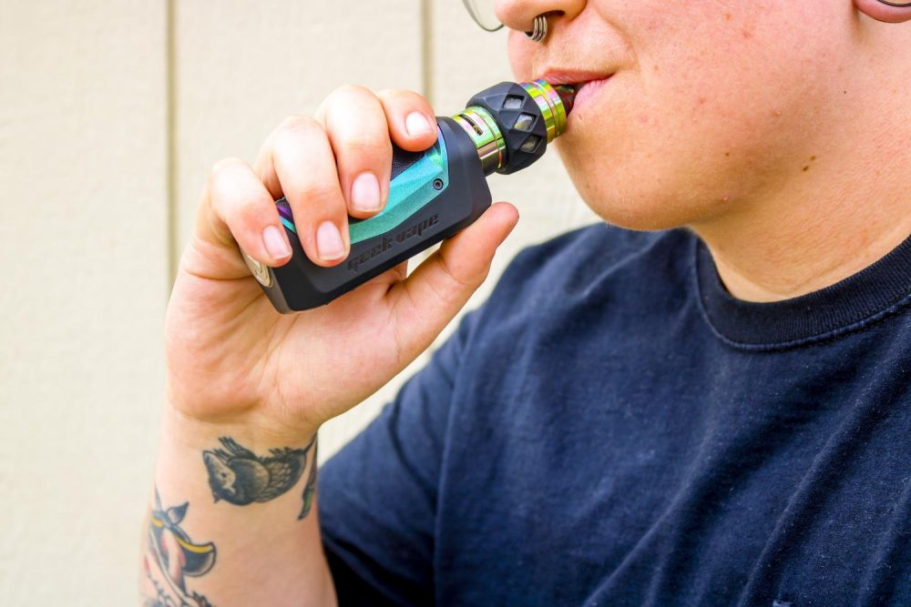 As of Sept. 10, there have been at least 478 confirmed cases of breathing related illnesses linked to vaping in 25 states, including California, and the death count has risen to six. (Photo illustration by Ariel Caspar)