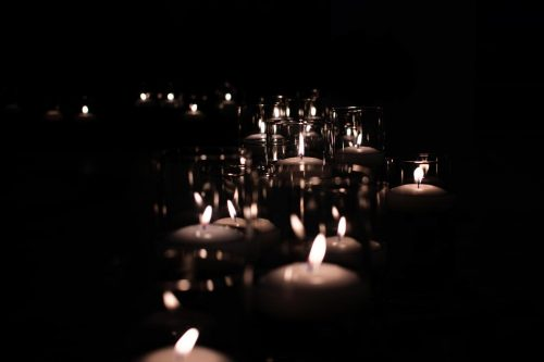 ARC offers candlelight vigil in honor of all that's been lost to COVID-19